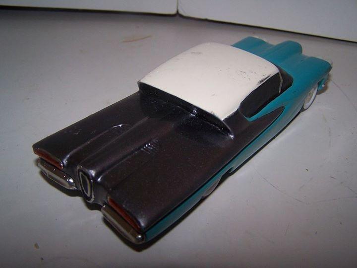 Vintage built automobile model kit survivor - Hot rod et Custom car maquettes montées anciennes - Page 3 10922811