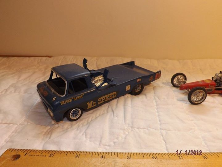 Vintage built automobile model kit survivor - Hot rod et Custom car maquettes montées anciennes - Page 4 10923510