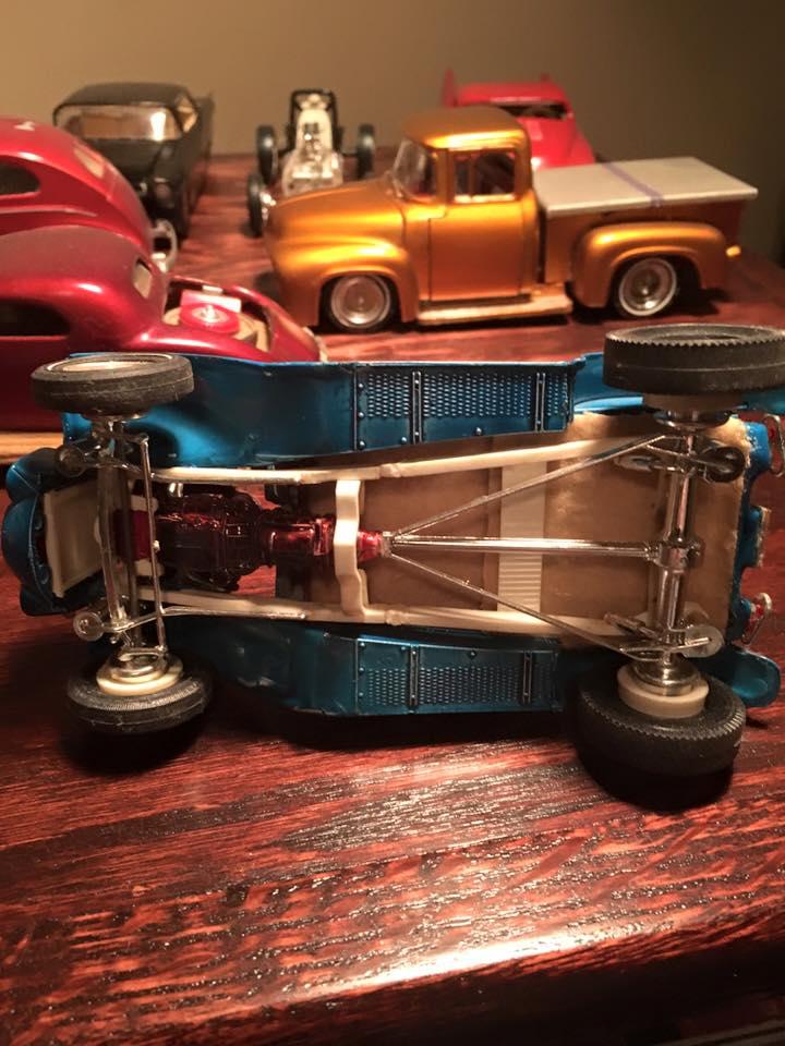 Vintage built automobile model kit survivor - Hot rod et Custom car maquettes montées anciennes - Page 4 12662611