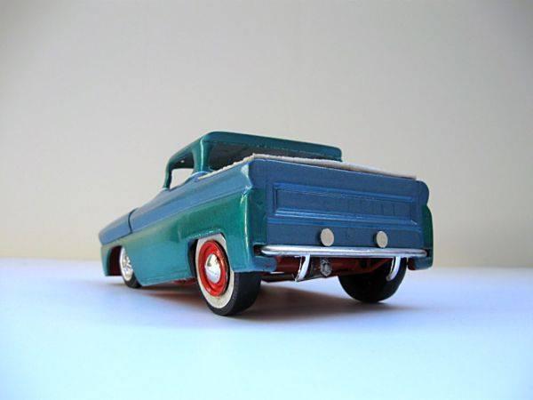 Vintage built automobile model kit survivor - Hot rod et Custom car maquettes montées anciennes - Page 3 13788210