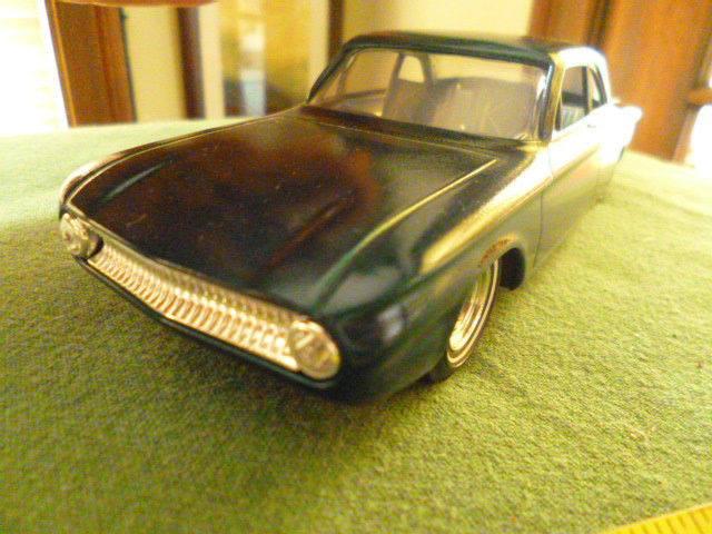 Vintage built automobile model kit survivor - Hot rod et Custom car maquettes montées anciennes - Page 3 15132410