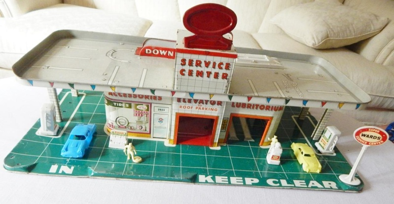 Garages jouets - Toys garage - Page 2 155