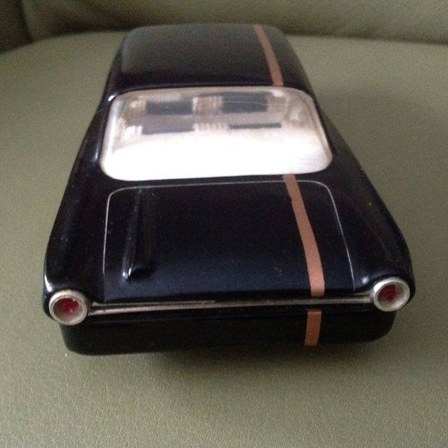 Vintage built automobile model kit survivor - Hot rod et Custom car maquettes montées anciennes - Page 3 16014010