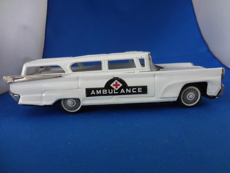 us car -  tôle - Tin Toys -  1950's & 1960's - Page 4 172