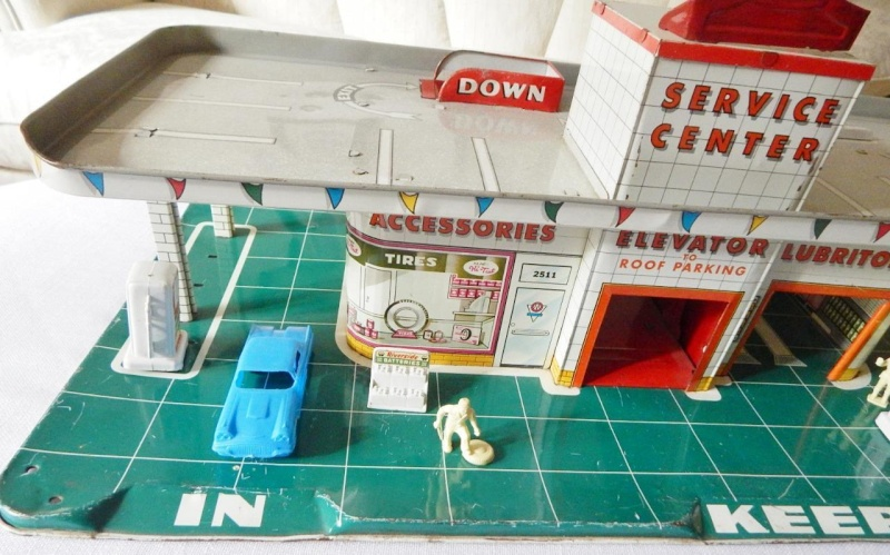 Garages jouets - Toys garage - Page 2 258