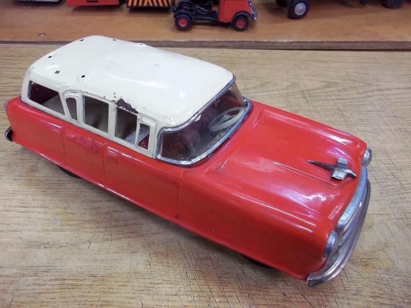 us car -  tôle - Tin Toys -  1950's & 1960's - Page 3 267