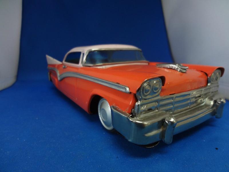 us car -  tôle - Tin Toys -  1950's & 1960's - Page 4 273