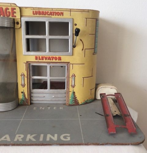 Garages jouets - Toys garage - Page 2 440