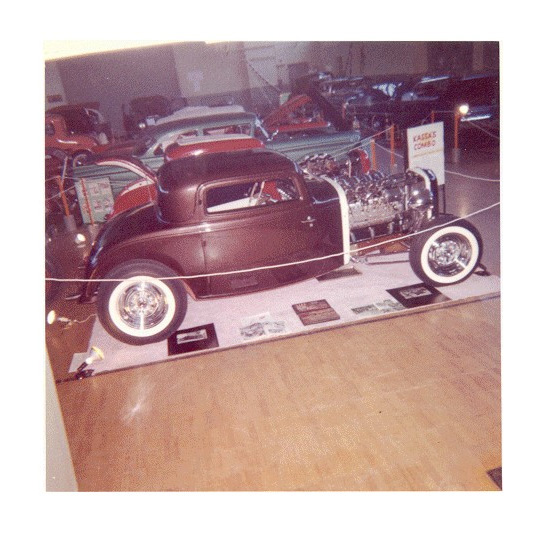 1932 Ford - Andy Kassa  Andy-k10