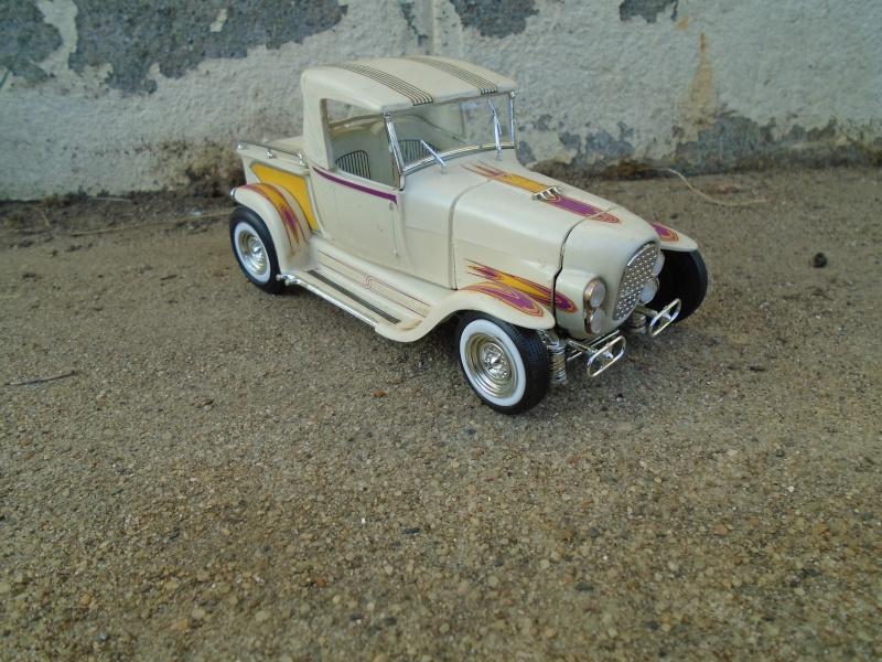 1929 Ford pick up - Ala Kart - show rod George Barris - Amt 1/25 Dsc00513