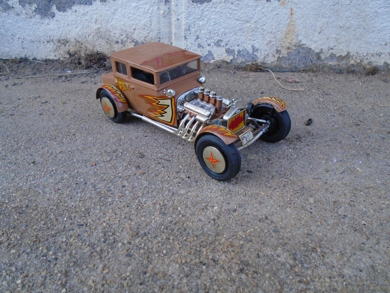 1925 Ford Model ' T' 3 in 1 - Amt - 1/25 scale Dsc00517