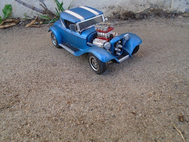 1929 Ford - Roadster - 3 in 1 - Amt - 1/25 scale Dsc00523