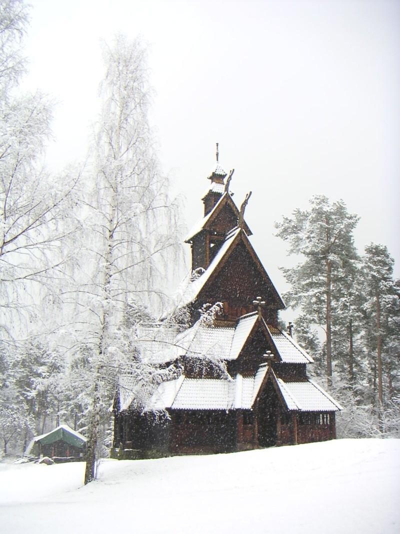 """Norvège : Les """"stavkirke"""", églises en """"bois debout"""", et secondairement bien d'autres aspects de ce magnifique pays et de sa culture... - Page 2 000610"""