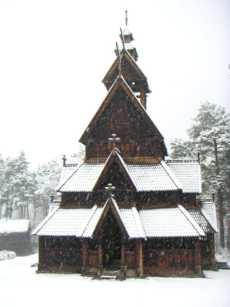 """Norvège : Les """"stavkirke"""", églises en """"bois debout"""", et secondairement bien d'autres aspects de ce magnifique pays et de sa culture... - Page 2 000710"""