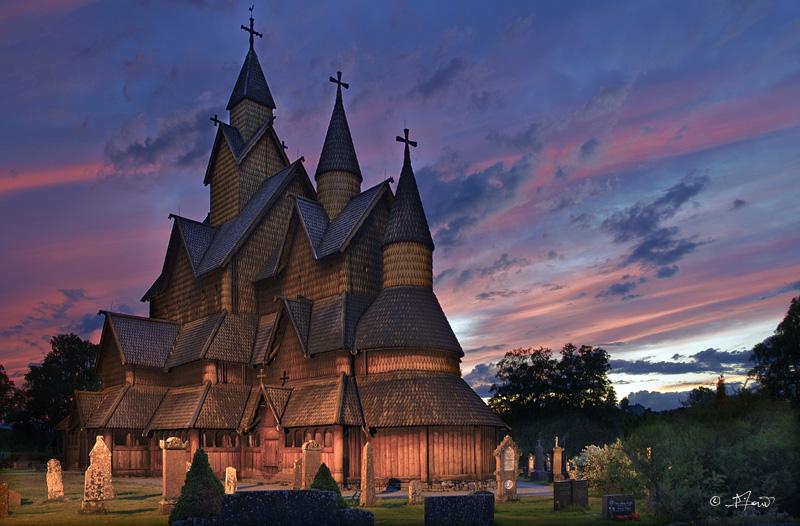 """Norvège : Les """"stavkirke"""", églises en """"bois debout"""", et secondairement bien d'autres aspects de ce magnifique pays et de sa culture... - Page 2 20080710"""