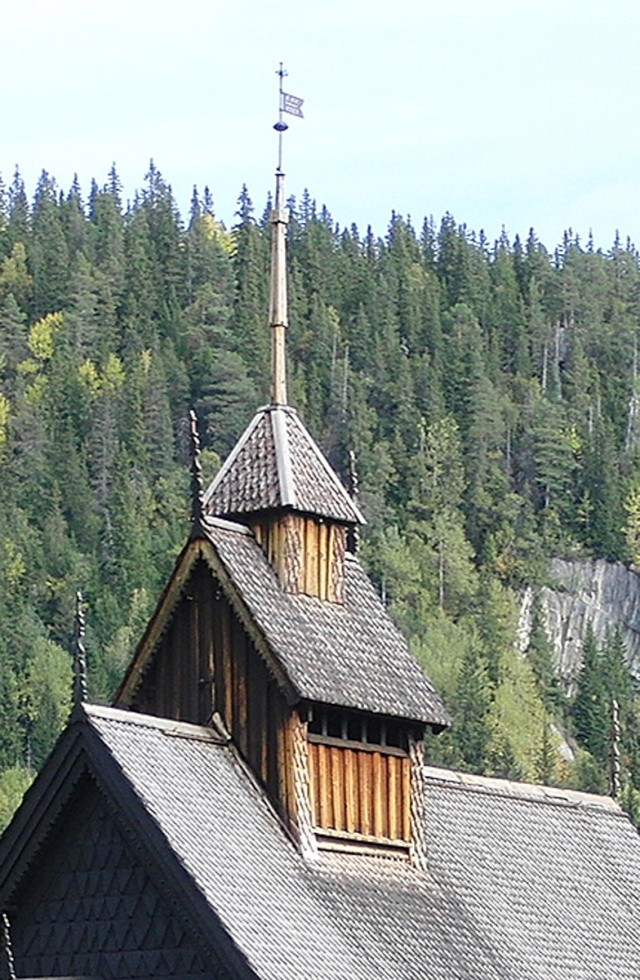 """Norvège : Les """"stavkirke"""", églises en """"bois debout"""", et secondairement bien d'autres aspects de ce magnifique pays et de sa culture... - Page 9 27370211"""