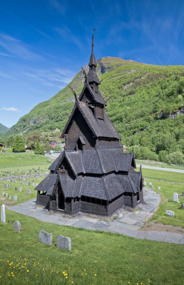 """Norvège : Les """"stavkirke"""", églises en """"bois debout"""", et secondairement bien d'autres aspects de ce magnifique pays et de sa culture... - Page 9 Borgun40"""