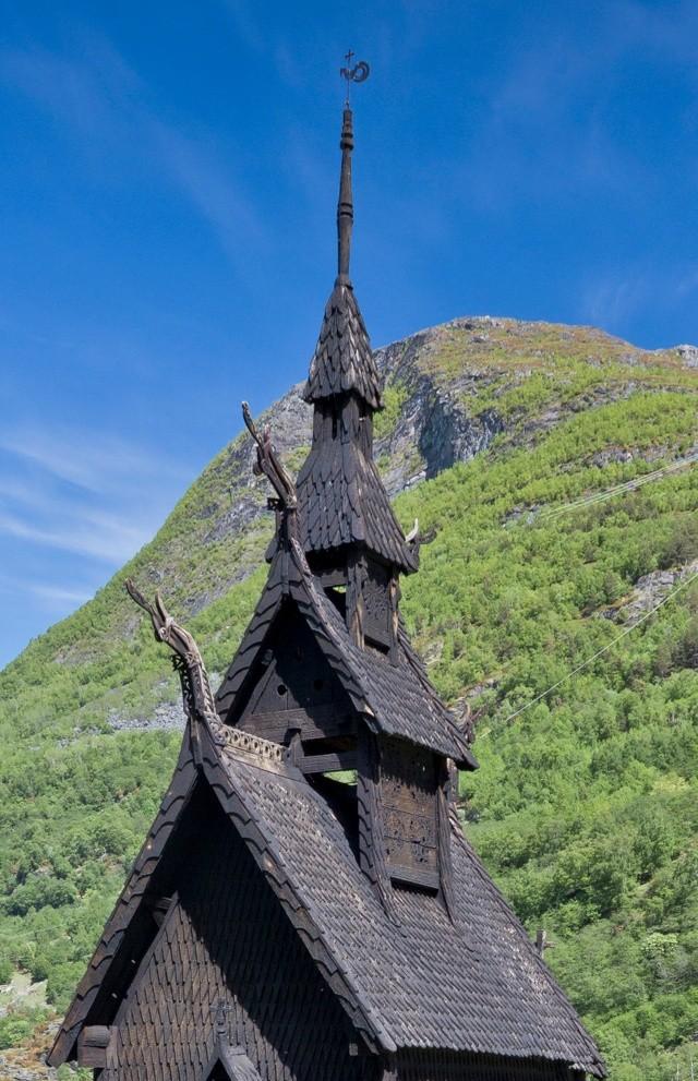 """Norvège : Les """"stavkirke"""", églises en """"bois debout"""", et secondairement bien d'autres aspects de ce magnifique pays et de sa culture... - Page 9 Borgun41"""