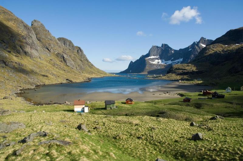 """Norvège : Les """"stavkirke"""", églises en """"bois debout"""", et secondairement bien d'autres aspects de ce magnifique pays et de sa culture... - Page 9 Bunesf10"""