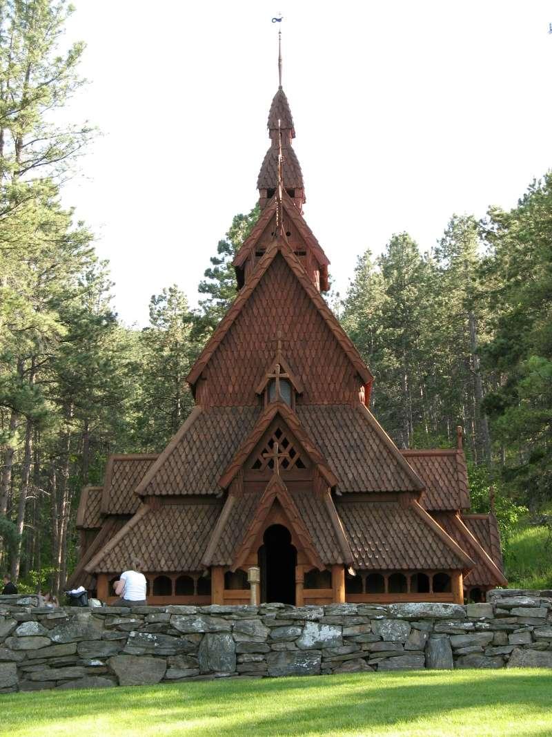 """Norvège : Les """"stavkirke"""", églises en """"bois debout"""", et secondairement bien d'autres aspects de ce magnifique pays et de sa culture... - Page 2 Chapel10"""