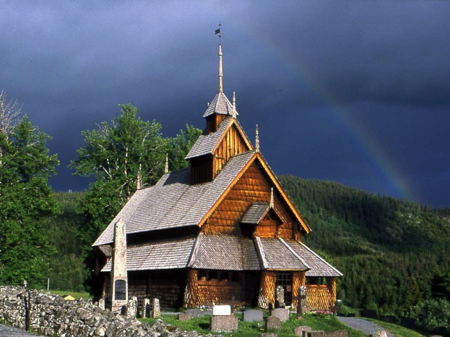 """Norvège : Les """"stavkirke"""", églises en """"bois debout"""", et secondairement bien d'autres aspects de ce magnifique pays et de sa culture... - Page 9 Eidsbo16"""