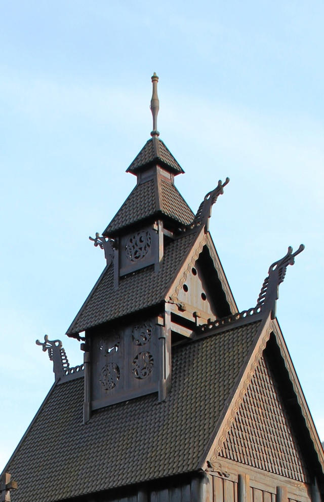 """Norvège : Les """"stavkirke"""", églises en """"bois debout"""", et secondairement bien d'autres aspects de ce magnifique pays et de sa culture... - Page 9 Gol_210"""