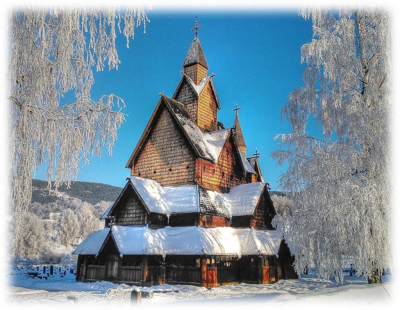 """Norvège : Les """"stavkirke"""", églises en """"bois debout"""", et secondairement bien d'autres aspects de ce magnifique pays et de sa culture... - Page 3 Heddal10"""