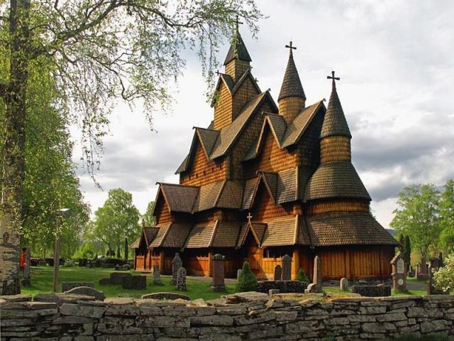"""Norvège : Les """"stavkirke"""", églises en """"bois debout"""", et secondairement bien d'autres aspects de ce magnifique pays et de sa culture... - Page 9 Heddal13"""