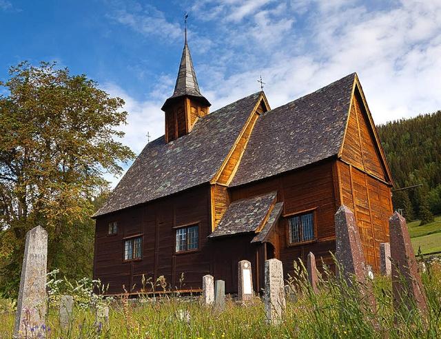 """Norvège : Les """"stavkirke"""", églises en """"bois debout"""", et secondairement bien d'autres aspects de ce magnifique pays et de sa culture... - Page 9 Lomen_14"""