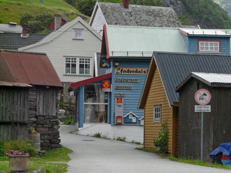 """Norvège : Les """"stavkirke"""", églises en """"bois debout"""", et secondairement bien d'autres aspects de ce magnifique pays et de sa culture... - Page 3 P1040510"""