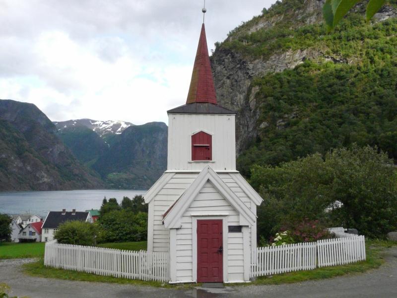 """Norvège : Les """"stavkirke"""", églises en """"bois debout"""", et secondairement bien d'autres aspects de ce magnifique pays et de sa culture... - Page 3 P1040511"""
