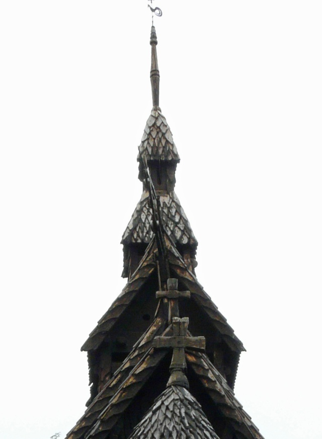 """Norvège : Les """"stavkirke"""", églises en """"bois debout"""", et secondairement bien d'autres aspects de ce magnifique pays et de sa culture... - Page 9 P1040824"""