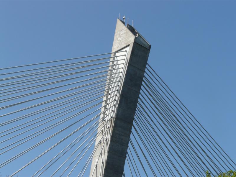Première mondiale : 2011, le pont à haubans et tablier courbe de Térénez P1540612