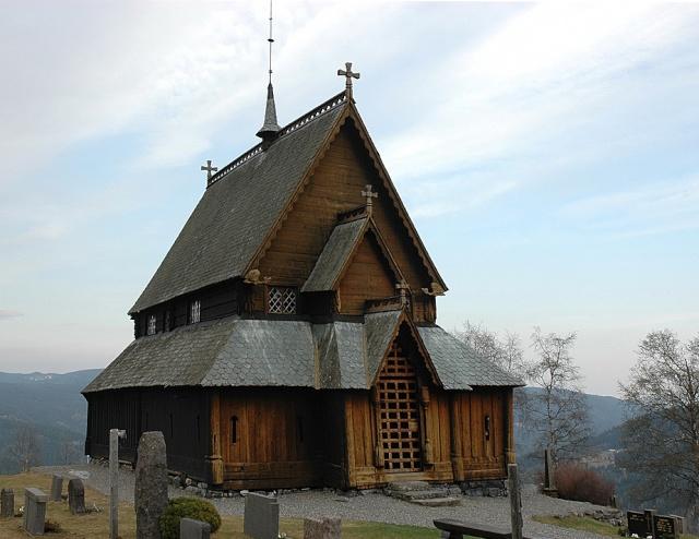 """Norvège : Les """"stavkirke"""", églises en """"bois debout"""", et secondairement bien d'autres aspects de ce magnifique pays et de sa culture... - Page 9 Reinli13"""
