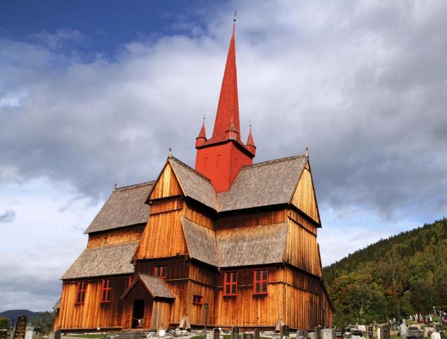 """Norvège : Les """"stavkirke"""", églises en """"bois debout"""", et secondairement bien d'autres aspects de ce magnifique pays et de sa culture... - Page 9 Ringeb14"""