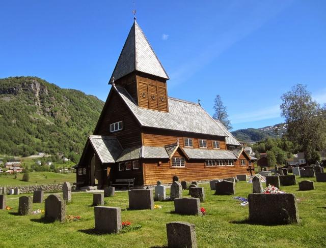 """Norvège : Les """"stavkirke"""", églises en """"bois debout"""", et secondairement bien d'autres aspects de ce magnifique pays et de sa culture... - Page 9 Roldal10"""