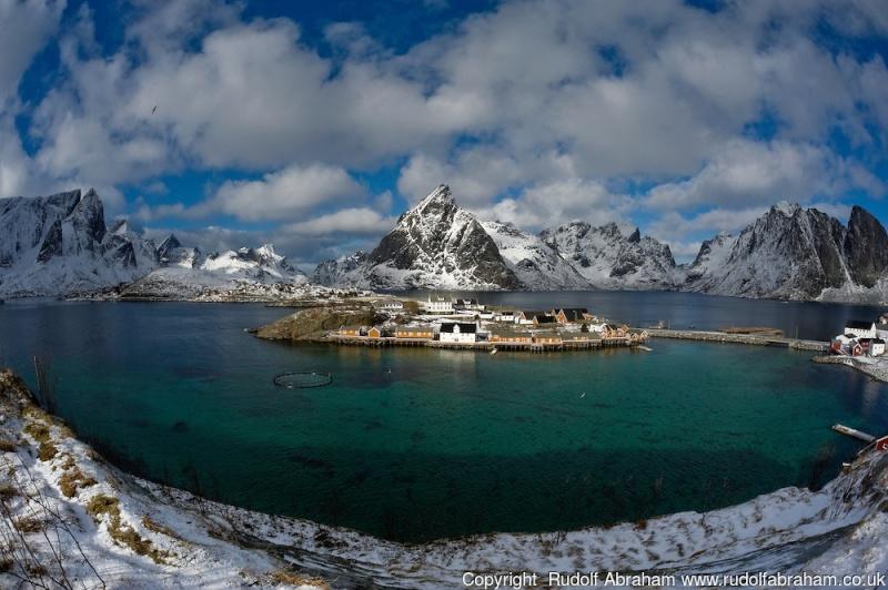 """Norvège : Les """"stavkirke"""", églises en """"bois debout"""", et secondairement bien d'autres aspects de ce magnifique pays et de sa culture... - Page 9 Rorbue11"""