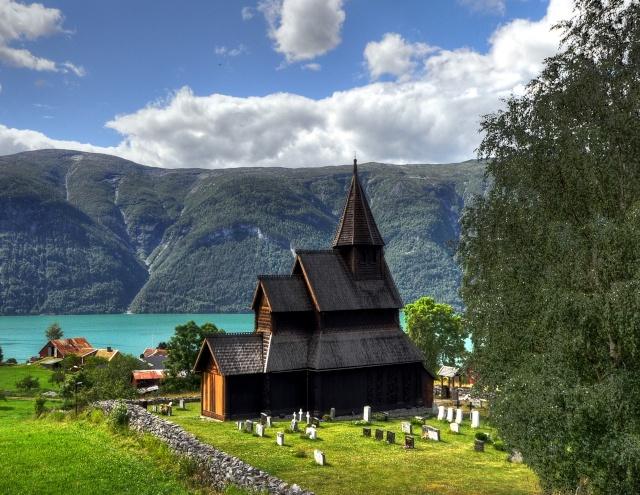"""Norvège : Les """"stavkirke"""", églises en """"bois debout"""", et secondairement bien d'autres aspects de ce magnifique pays et de sa culture... - Page 9 Stave_15"""