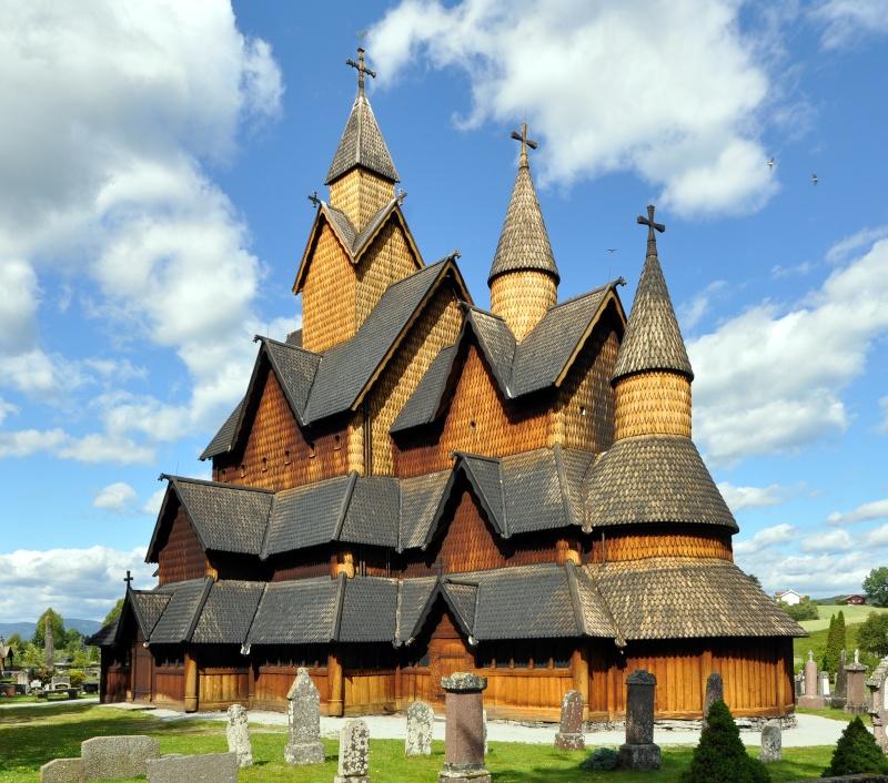 """Norvège : Les """"stavkirke"""", églises en """"bois debout"""", et secondairement bien d'autres aspects de ce magnifique pays et de sa culture... - Page 2 Stavec10"""