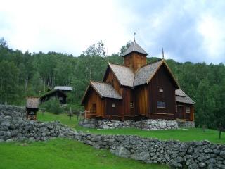 """Norvège : Les """"stavkirke"""", églises en """"bois debout"""", et secondairement bien d'autres aspects de ce magnifique pays et de sa culture... - Page 9 Uvdal_11"""