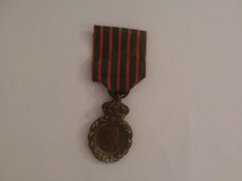 Les rubans de la médaille de Sainte Hélène. Cimg1812