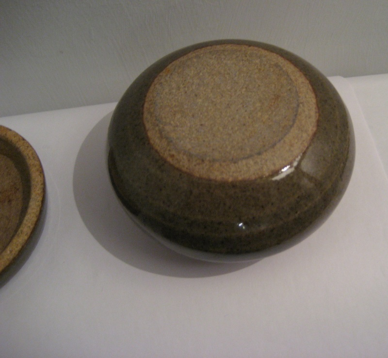 Small Round Lidded Pot. Help To ID Please? Img_2226