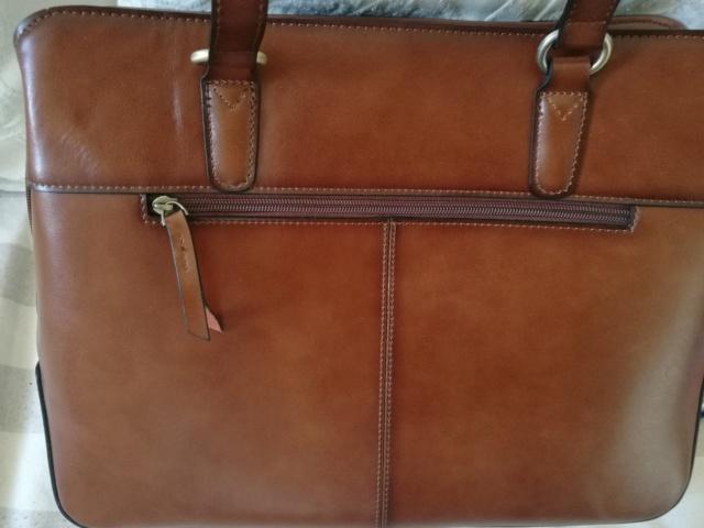 Pour quel sac/cartable/besace/gibecière avez-vous opté pour trimballer votre bazar ? - Page 24 Img_2032
