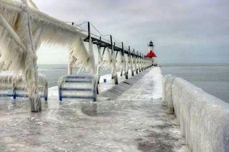 La neige est là, les glissades aussi! Webmic14
