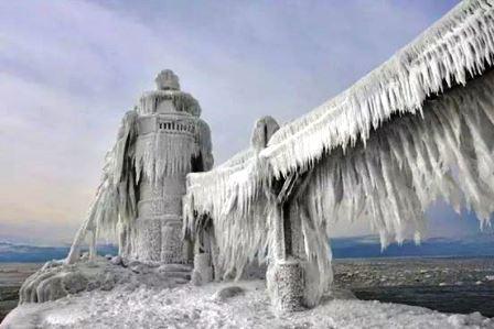 La neige est là, les glissades aussi! Webmic15