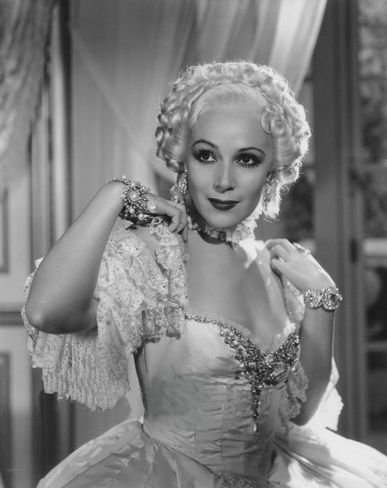 Madame du Barry de William Dieterle (1934) avec Anita Louise Dolore11