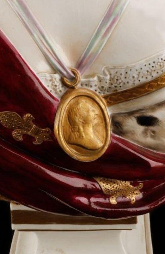 A vendre: bustes Marie Antoinette - Page 4 Zzzm13
