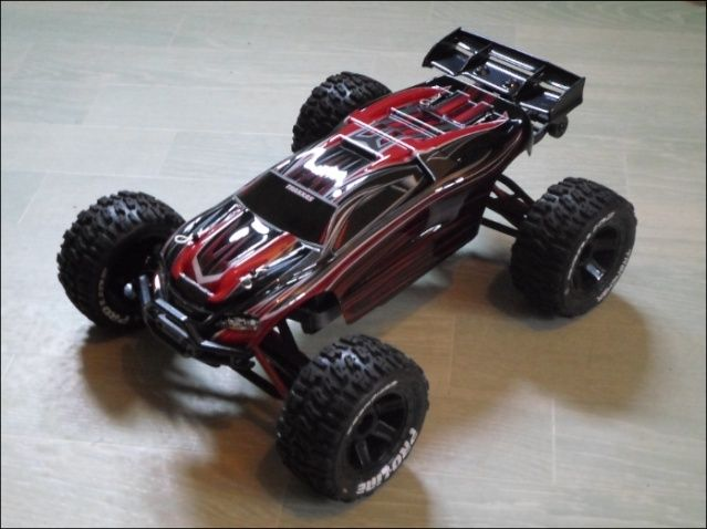 E-Revo's 1/16 Brushless 3S (380/540) 1410