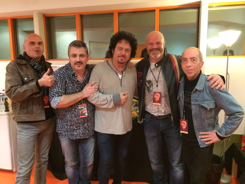 Steve Lukather - Page 18 Img_1311