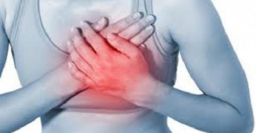 La cardiomyopathie des coeurs brisés chez la femme Commen10